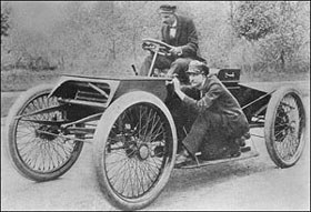 Первая гонка Форда в 1901 году. Генри Форд и Спайдер Хафф.