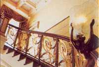 Светильник в виде скульптурной композиции